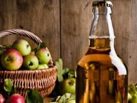 How to make your own traditional cider from apples @ www.jamesandtracy.co.uk