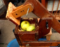 How to make your own scratter for traditional cider making  @ www.jamesandtracy.co.uk